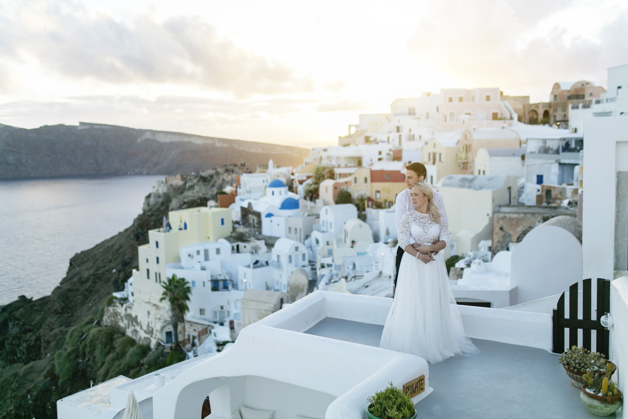 Josefin & Tobias Santorini destinationwedding